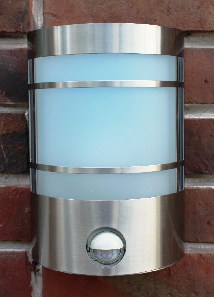 edelstahl wand au enleuchte if bewegungsmelder mit led energiesparlampe 7 watt lampen licht. Black Bedroom Furniture Sets. Home Design Ideas